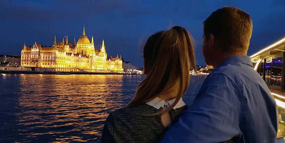 night-cruise-budapest-danube-river